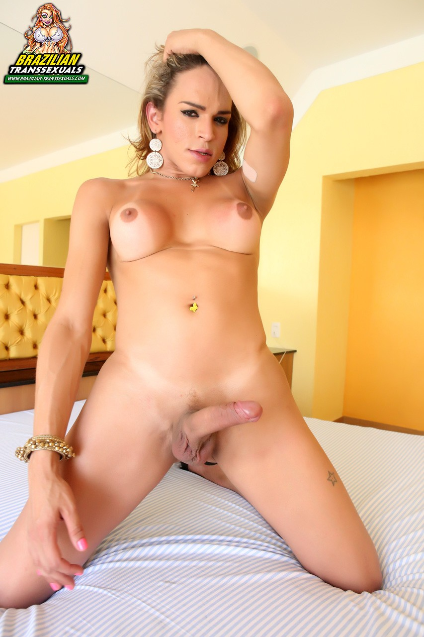 Fat black shaved pussy pics